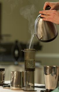 coffee-making-1169888_1920.jpg